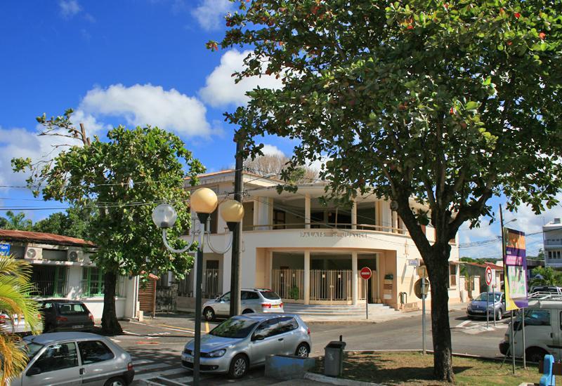 Place victor sch lcher grand bourg guadeloupe tourisme - Office tourisme marie galante ...