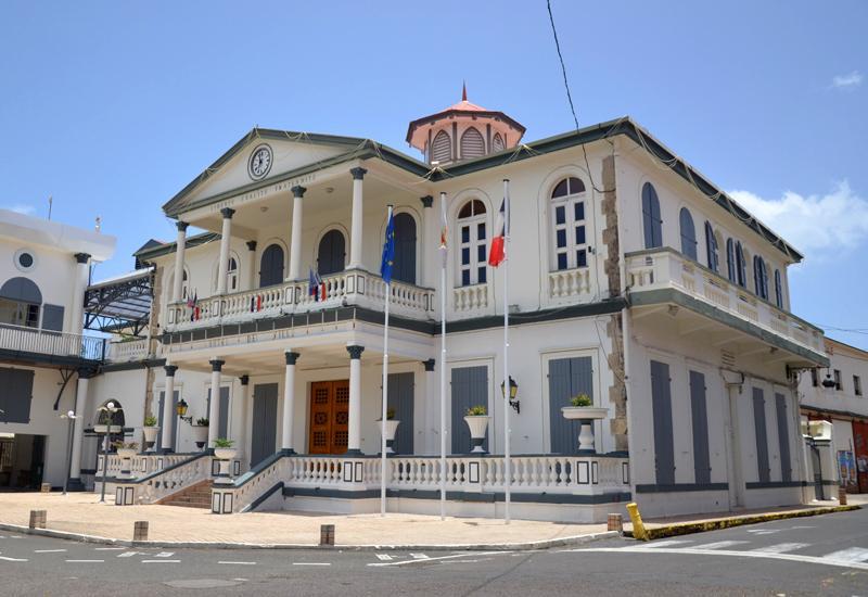 H tel de ville basse terre guadeloupe tourisme - Sainte anne guadeloupe office du tourisme ...