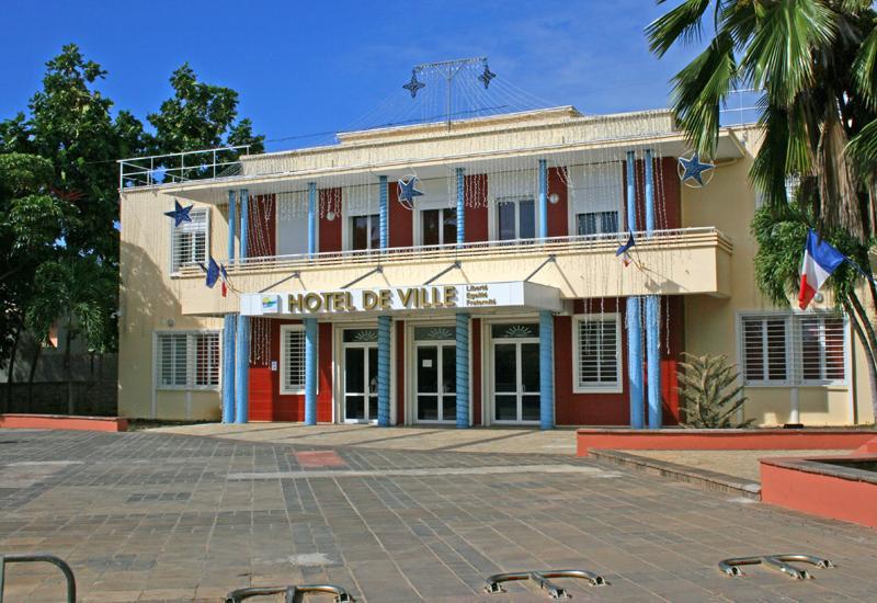 H tel de ville sainte anne guadeloupe tourisme - Sainte anne guadeloupe office du tourisme ...